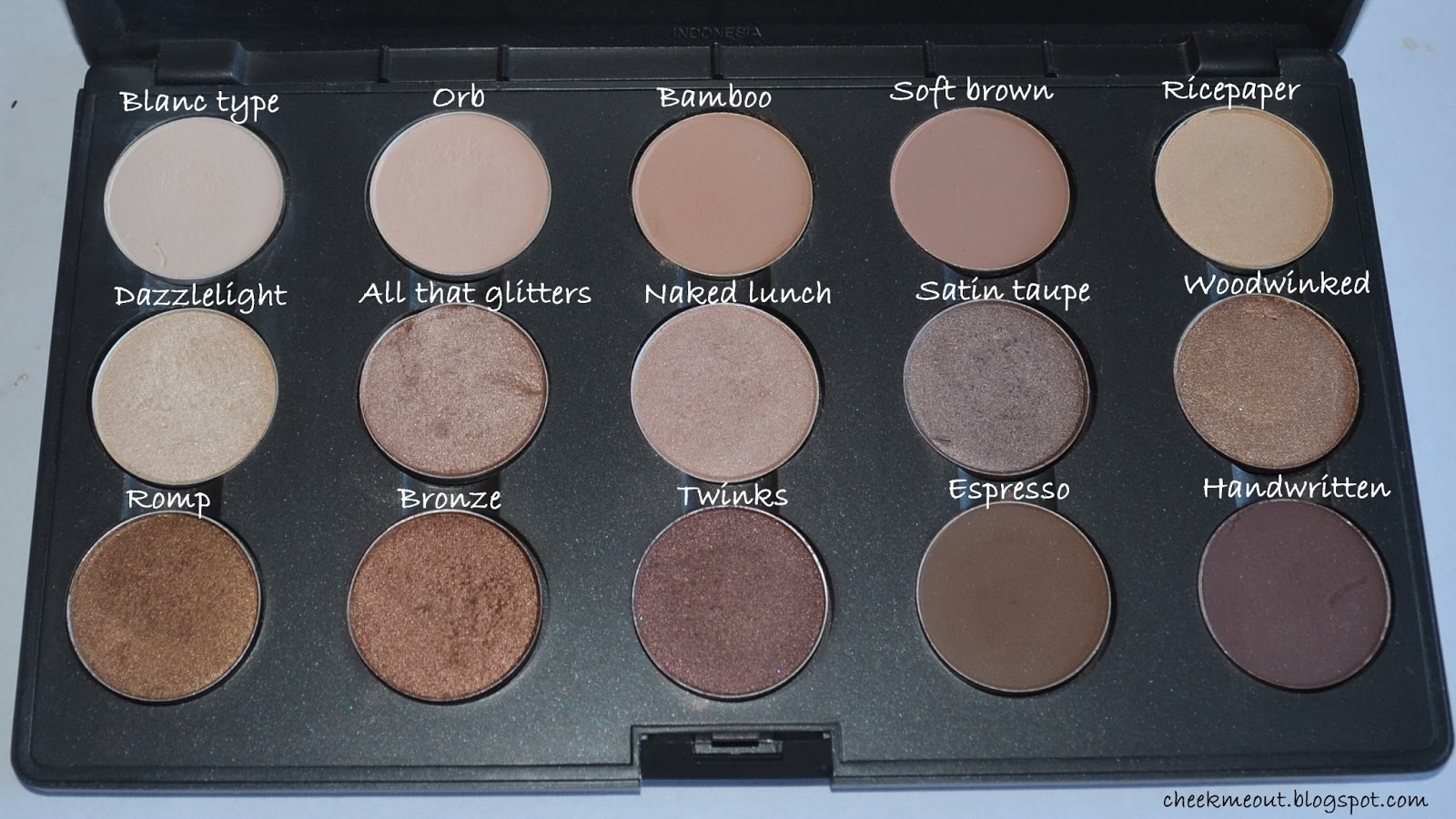 Radiant Loose Powder Foundation - Nude by Nature CA