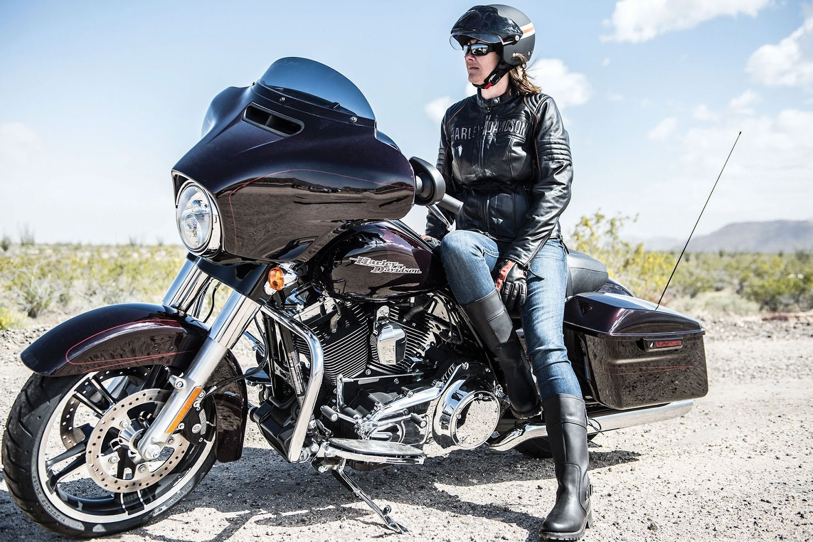 2014 harley davidson street glide and street glide special specifications prices and features. Black Bedroom Furniture Sets. Home Design Ideas