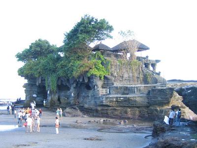 لمعبد بورا تاناه لوت في اندونيسيا (صوور  Pura+Tanah+Lot++2
