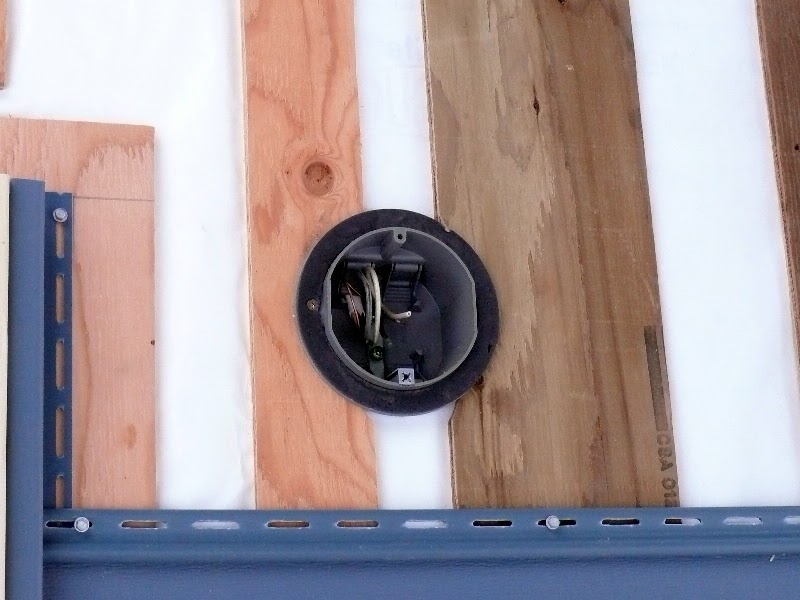 Building a house a simple plan flashing for an outdoor light fixture box for Exterior electrical box for light