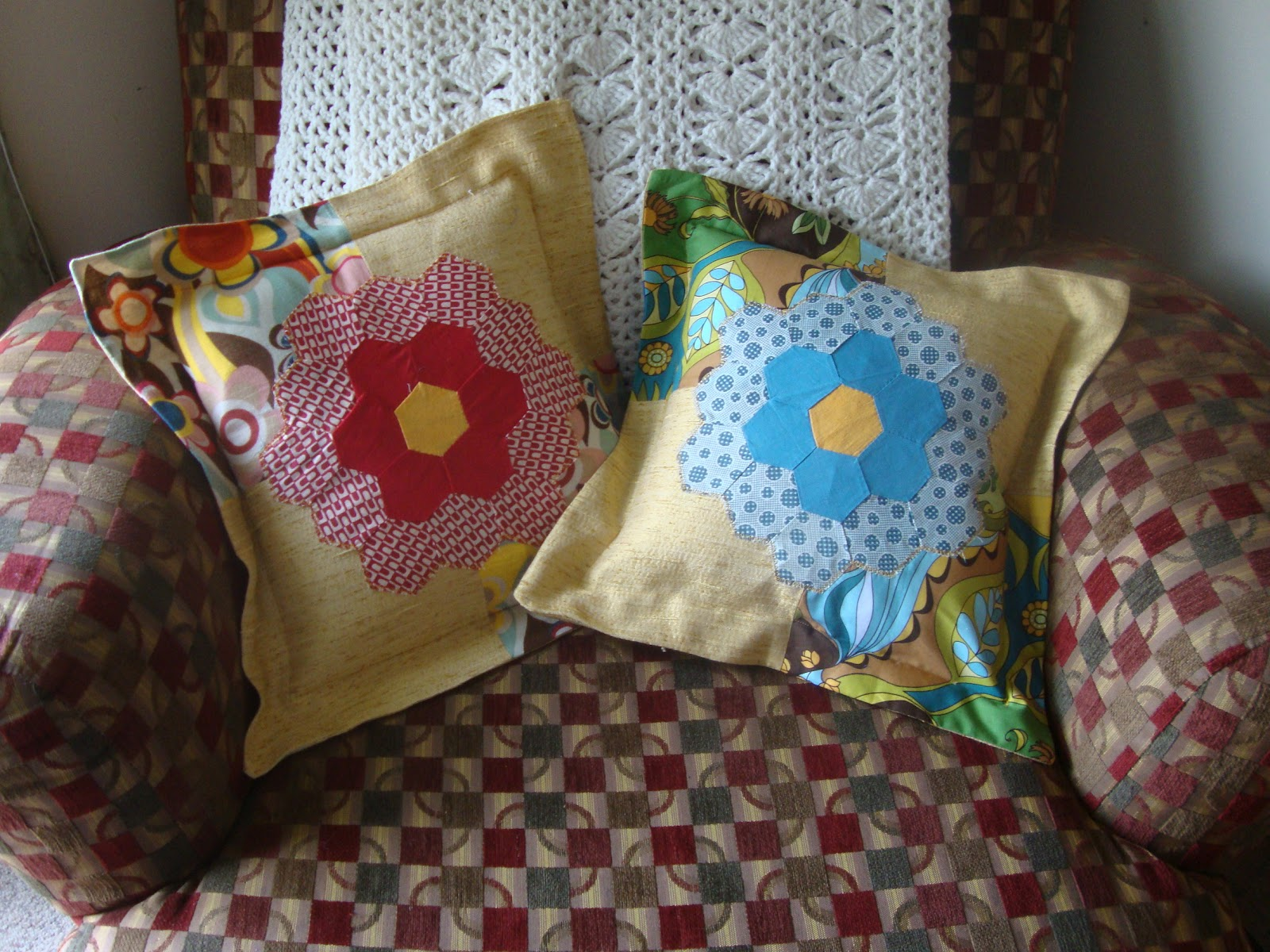 Bethany Sew-and-Sew: Easy Pillow Shams to show off Grandma's Quilt