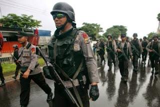 အင္ဒိုနီးရွားရဲ (Credit: Reuters)