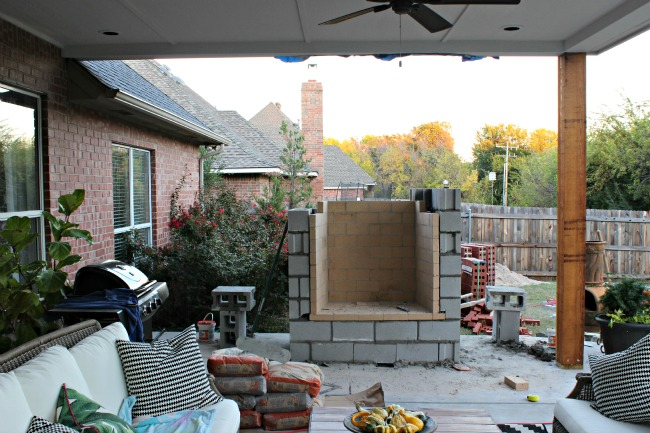 PATIO PROJECT {THE FIREPLACE} - Dimples and Tangles