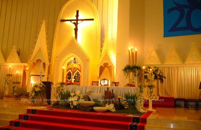 serafien - perangkai bunga liturgis: dekorasi paska dari