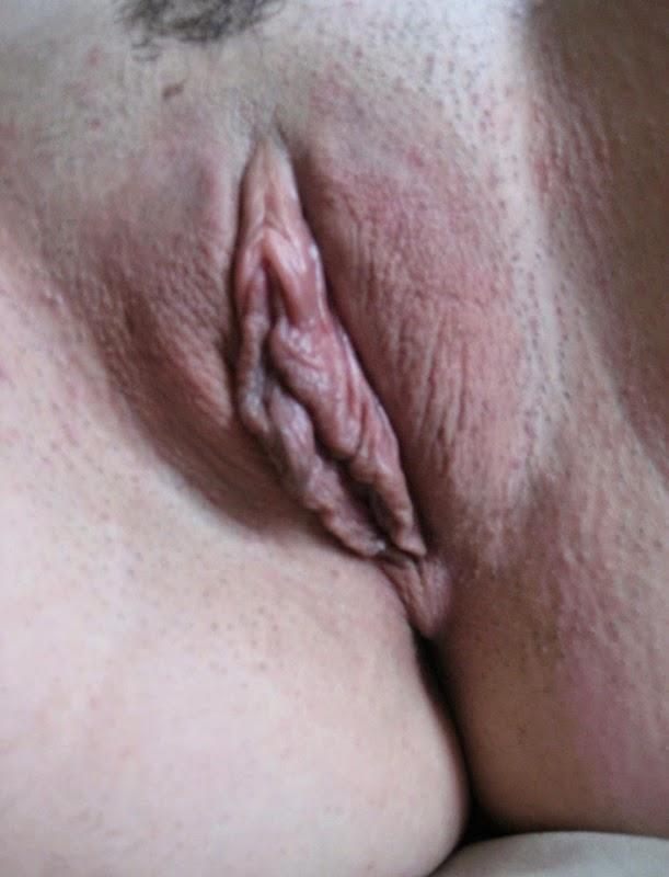Sacramento CA Slut needs a cock to fill her pussy