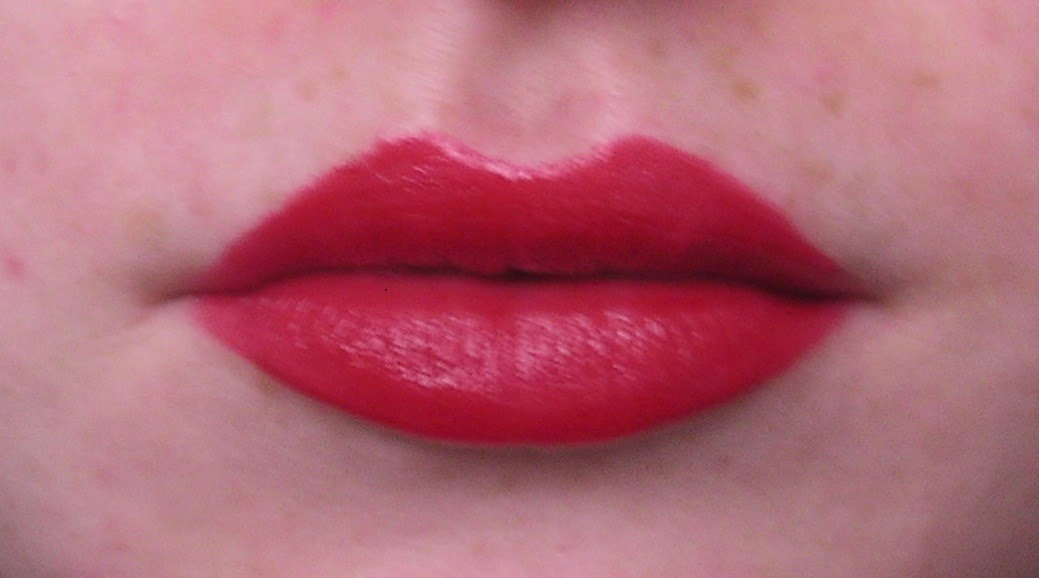 Super Me&MyMakeup: MAC Maleficent 'True Loves Kiss' Lipstick Review  TJ34
