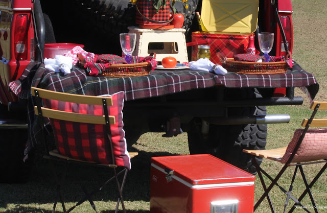 Fall Picnic -Bargain Decorating with Laurie