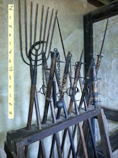 castelul-praga-ulita-de-aur-muzeul-armelor-medievale-2
