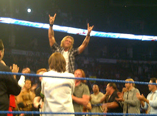 WWE تكرم المصارع الأسطوري إيدج في سماك داون...شاهد الصور  901