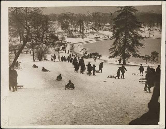 Sledging, 1924