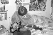 De Shadow Gitaar. Oefenen op mijn nieuwe gitaar.
