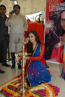 Dia Lighting up lamp for pre diwali at TBS store.JPG