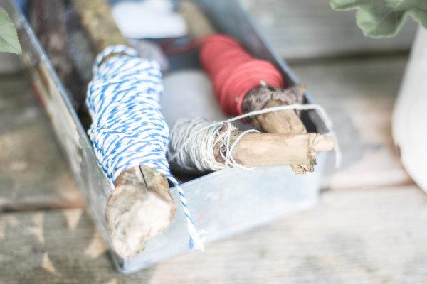 Upcycling Garnrollen für den Gartenzwirn