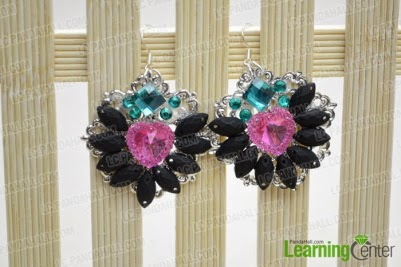http://lc.pandahall.com/articles/1197-recycle-earrings-idea-make-rhinestone-cluster-earrings-with-old-brooch-finding.html