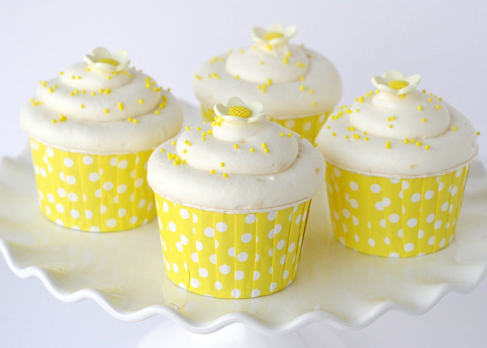 Lemon Cupcakes – Glorious Treats