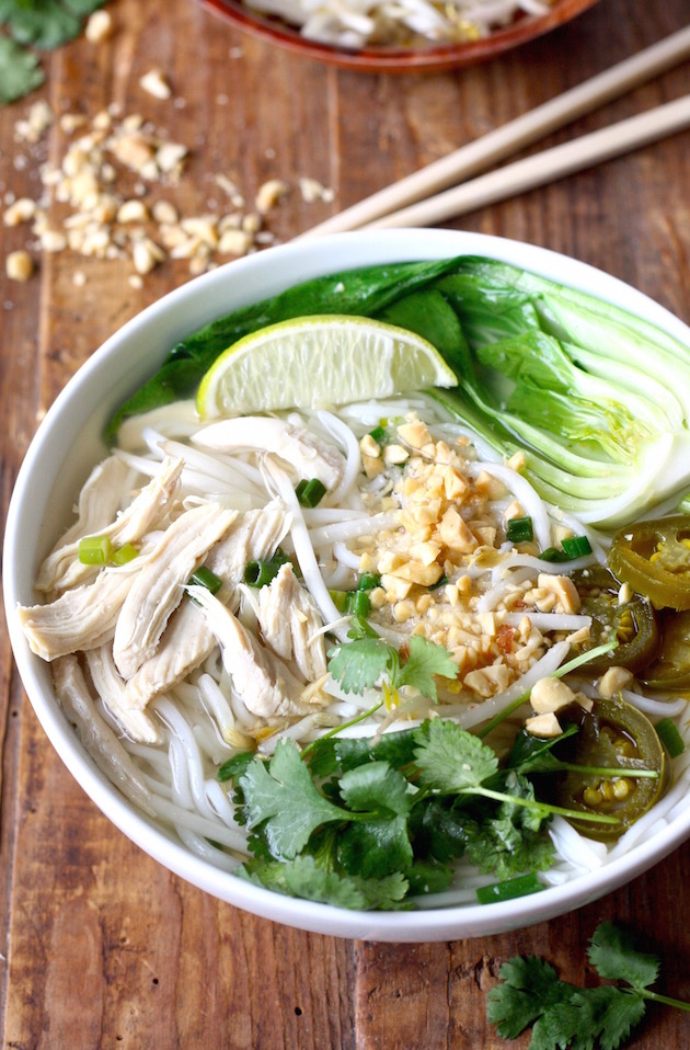 Thai Rice Noodle Soup by SeasonWithSpice.com