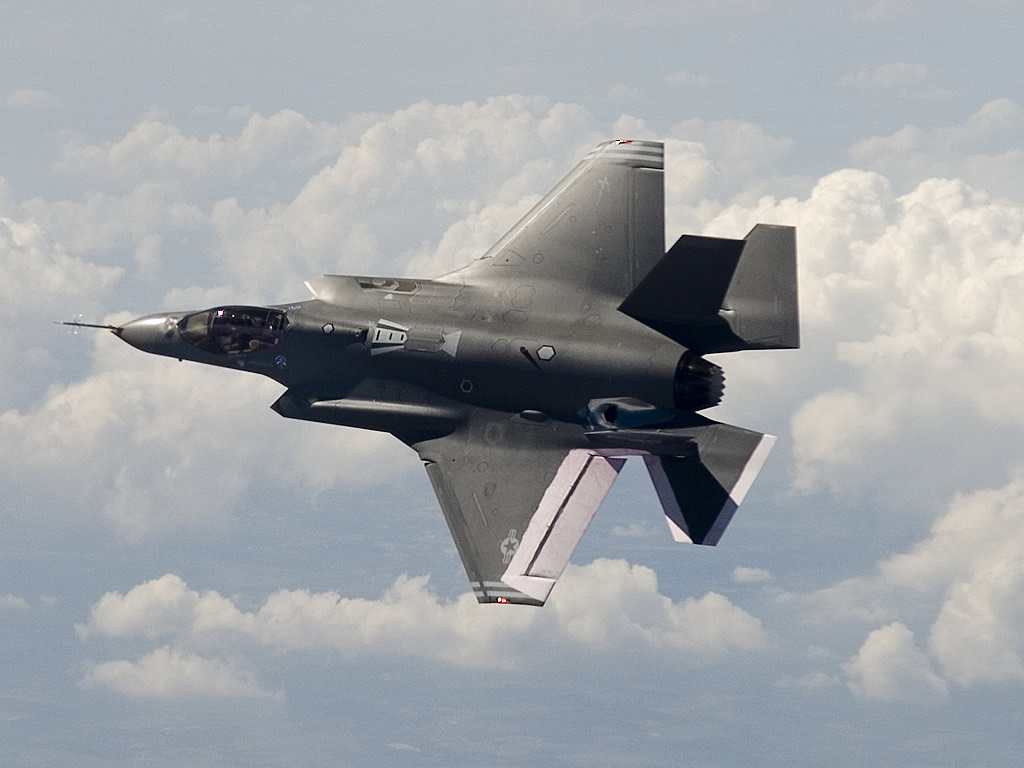 http://1.bp.blogspot.com/-kZNo_AstFsM/Tdk8VX6IR0I/AAAAAAAABv0/DuKonQ-AXpQ/s1600/Lockheed%2BF-35%2BLightning%2BStrike%2BFighter2.jpg