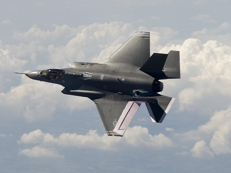 Lockheed F-35 Lightning Strike Fighter