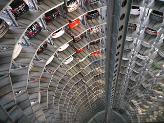 Menara Parkir Mobil Terkeren Di Autostadt