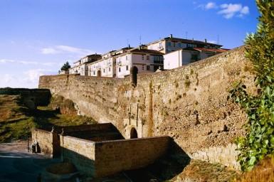 Murallas de ciudad rodrigo for Arquitectura militar
