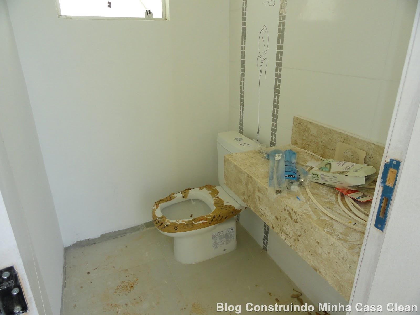 semi pronto!! Com rejunte bancada vaso sanitário faltando trocar o  #644B22 1600x1200
