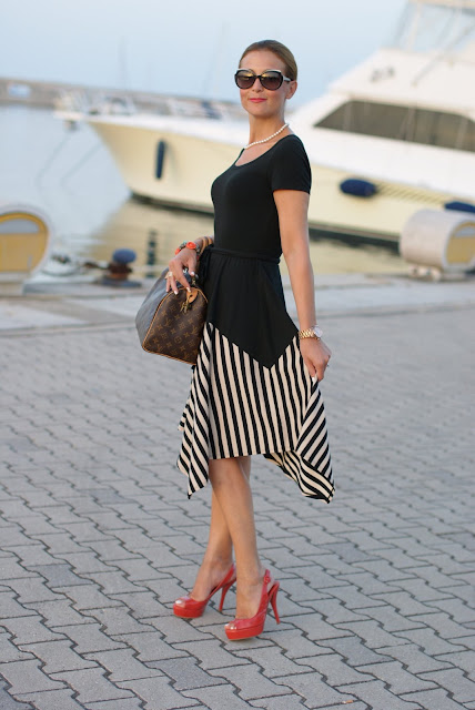 summer outfits, black and white striped dress, DKNY, Louis Vuitton Speedy 30 bag, Castaner coral heels, Fashion and Cookies