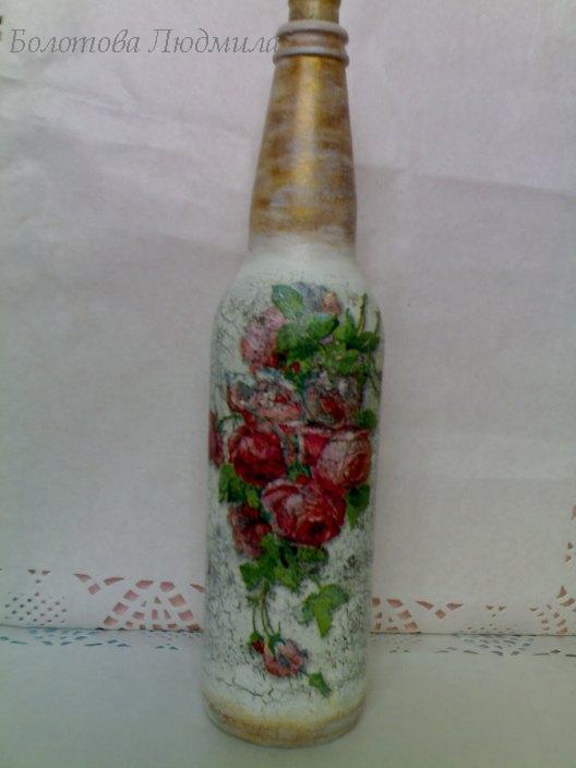 Декупаж на бутылке розы