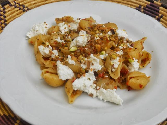 conchiglie al sapore mediterraneo