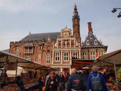 Ayuntamiento de Haarlem en Grote Markt (Plaza del Mercado)
