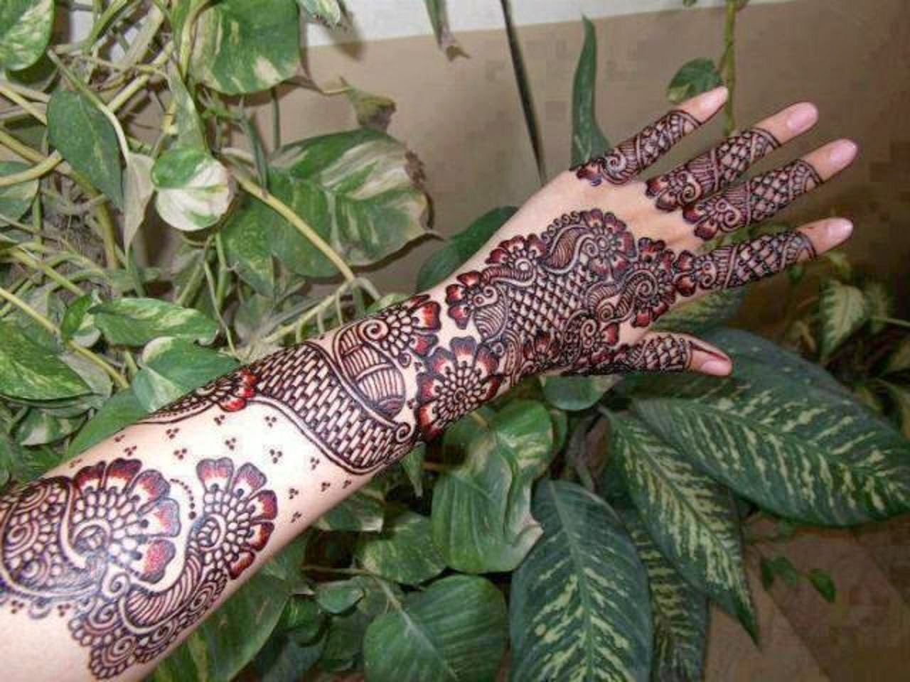 Beautiful Latest Fancy Hand Mehndi Designs Wallpapers Free Download