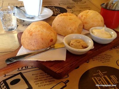 Pão de Queijo - A Pão de Queijaria