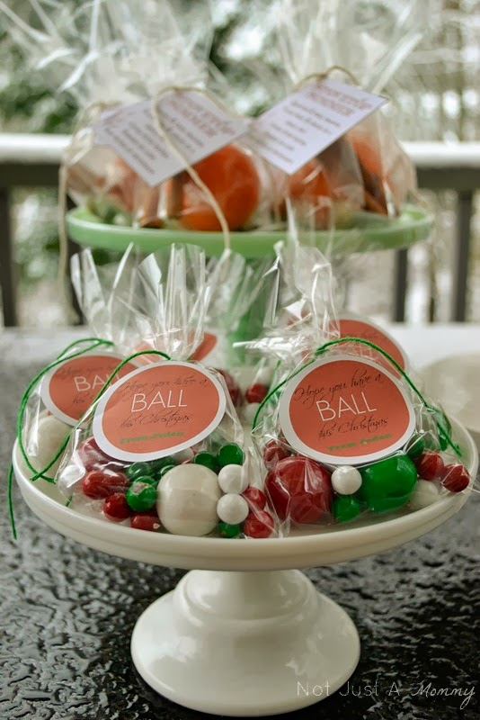 classroom Christmas gift idea with SweetWorks Sixlets and gumballs