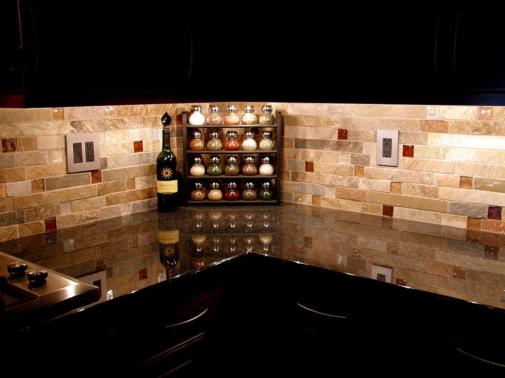Olivia grayson interiors june 2011 for Kitchen designs with glass tile backsplash