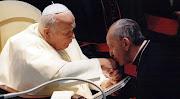Papa Francisco - Jorge Mario Bergoglio shared Pope Jorge Mario Bergoglio .