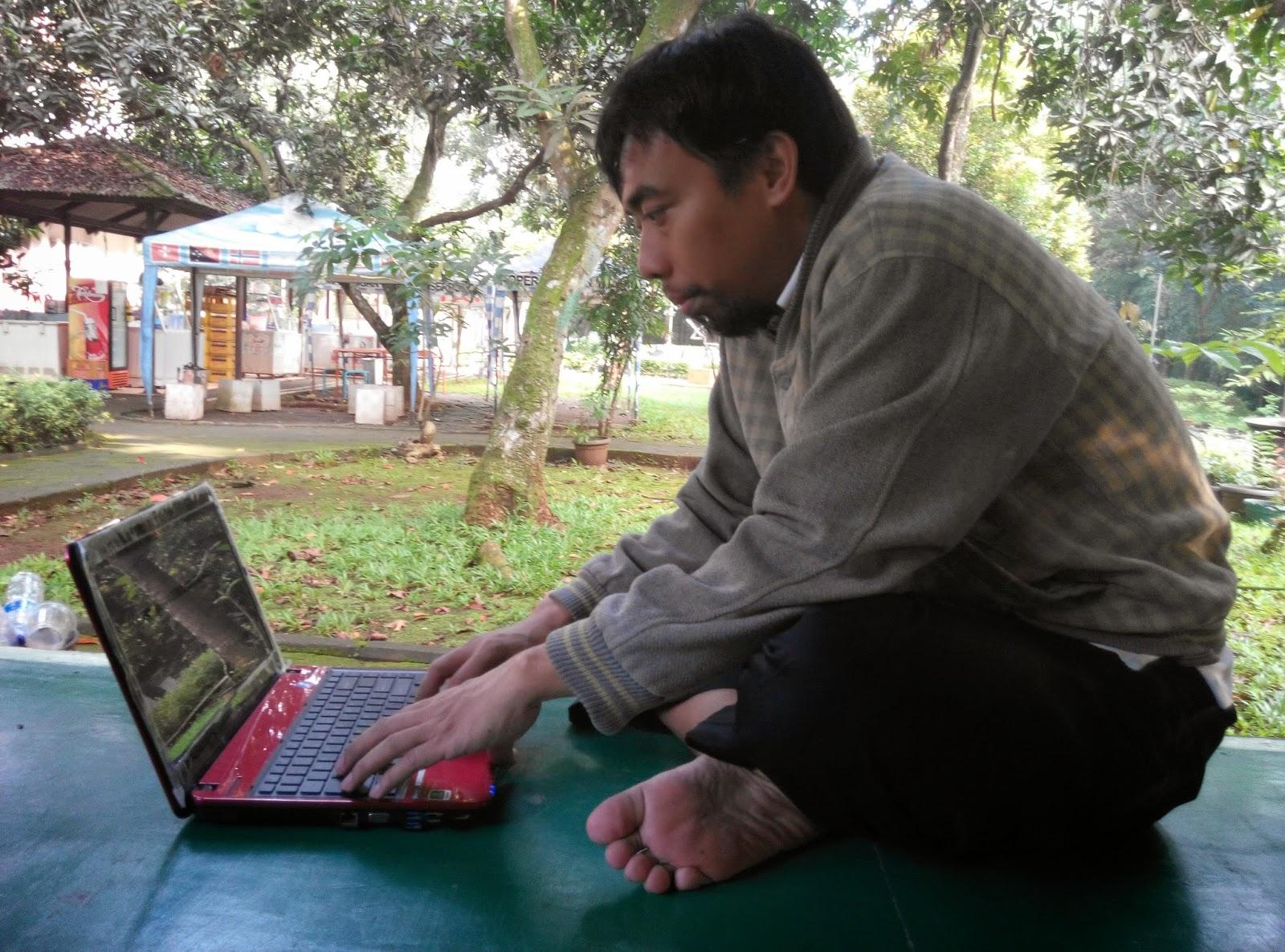 ngeblog di taman