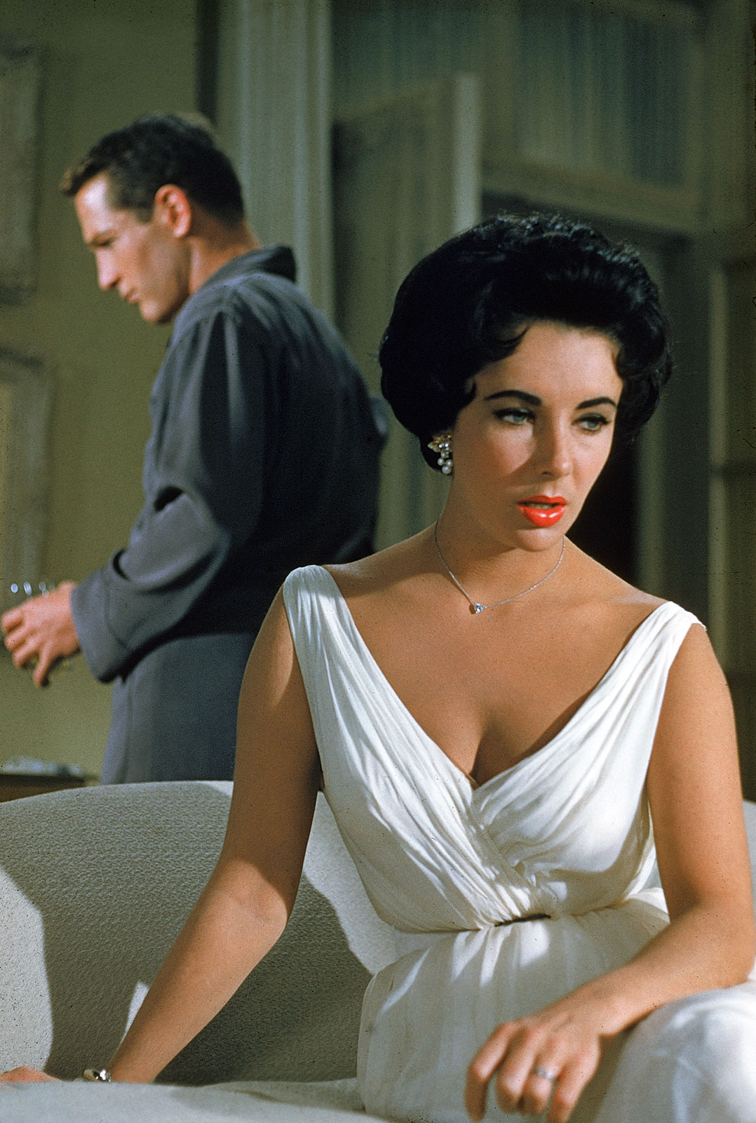 http://1.bp.blogspot.com/-k_UHLgA2qqw/TZ2edmjIwaI/AAAAAAAAAKM/ZYEqcRB8ZsE/s1600/Cat-On-A-Hot-Tin-Roof-Paul-Newman-and-Elizabeth-Taylor.jpg