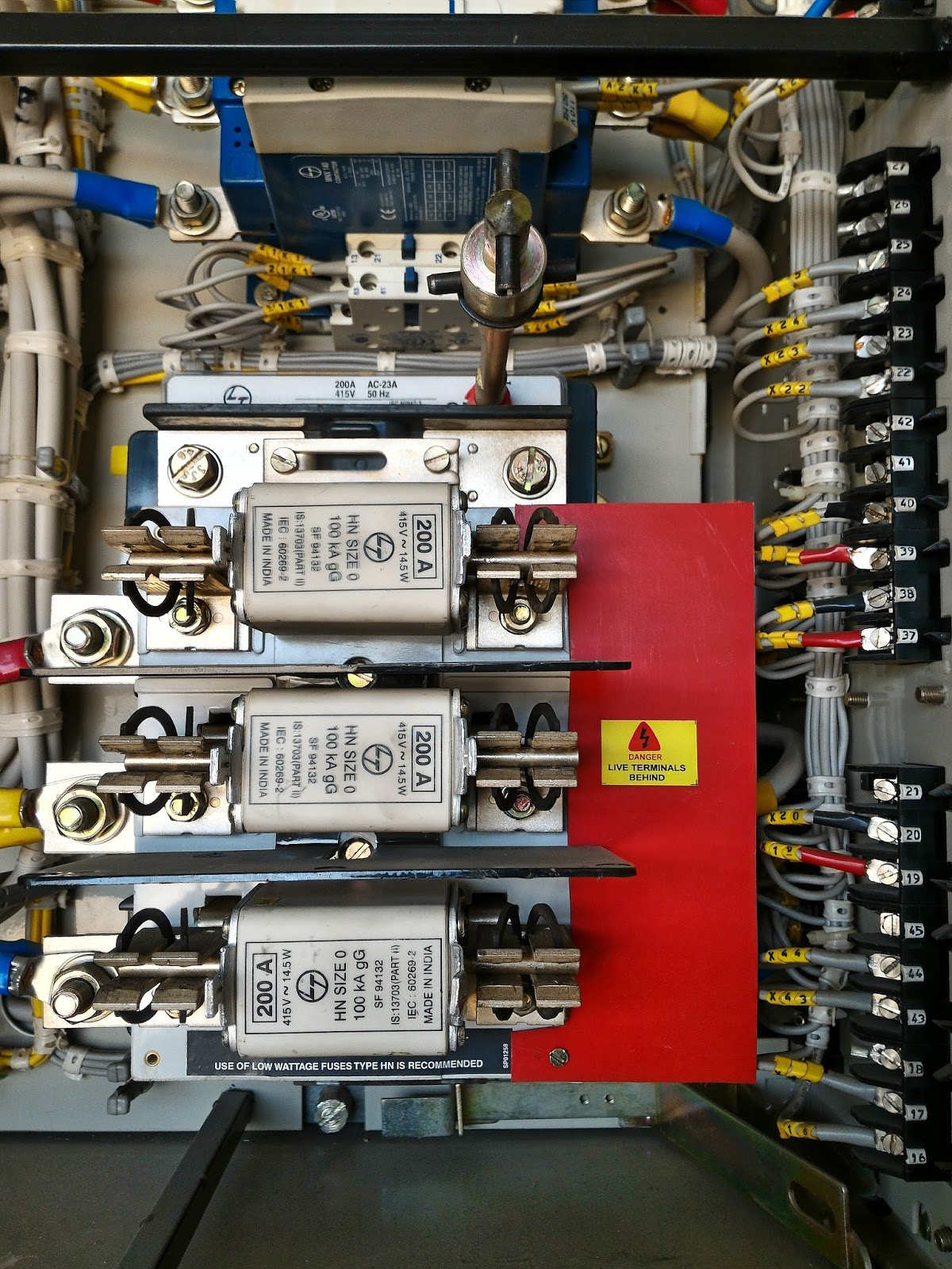 Lt Motor Feeders And Incomer Electrical Blog Short Circuit Appliances In Lv Switchgear System Are Protected Against Over Load Conditions By Fuses Or