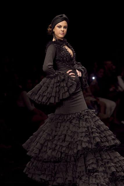 vestido-negro-de-flamenca-francisco-lomora