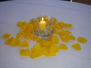 Centros de Mesa Románticos Color Amarillo