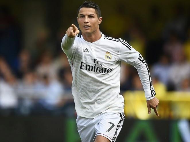 Cristiando Ronaldo, el jugador más rico de la actualidad - Árbitro bombero