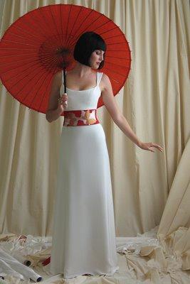 Japanese modern wedding dress design with big ribbon for Modern wedding dress designers
