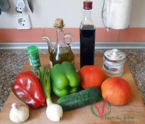Ingredientes para el gazpacho murciano.