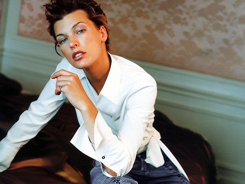 http://1.bp.blogspot.com/-kaH_IvlTGvY/T8mvHb1LRnI/AAAAAAAACRE/dPINkjKHSCc/s1600/actress+Milla+Jovovich.jpg