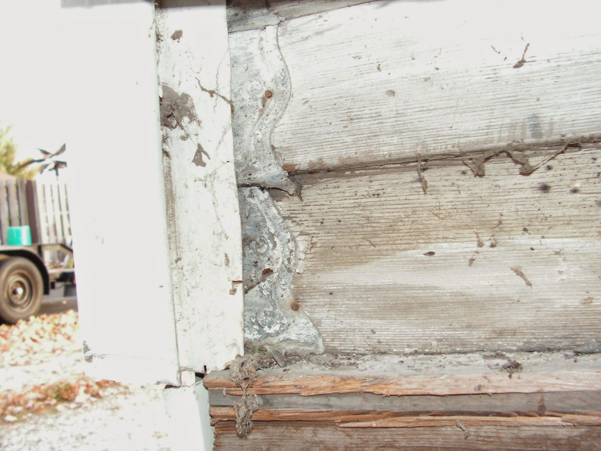 1900 Victorian Home Restoration Metal Corner Brackets Bracers