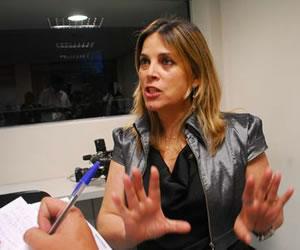 Marisa Lobo (foto) é investigada pelo conselho de psicologia do Paraná por se apresentar como 'psicóloga cristã' (Foto: Divulgação)