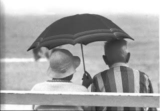 http://www.anehdidunia.com/2012/10/10-cara-ungkapkan-cinta-paling-romantis.html