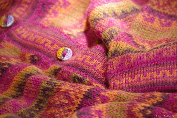 aliciasivert, alicia sivertsson, Le Nebourg, market day, cardigan, peru, alpacca, knitted, mrs. weasley, kofta, button, knapp, detail, detaljbild, detalj
