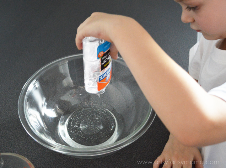 I Spy Sports Slime at artsyfartsymama.com #kidscraft #science #sports
