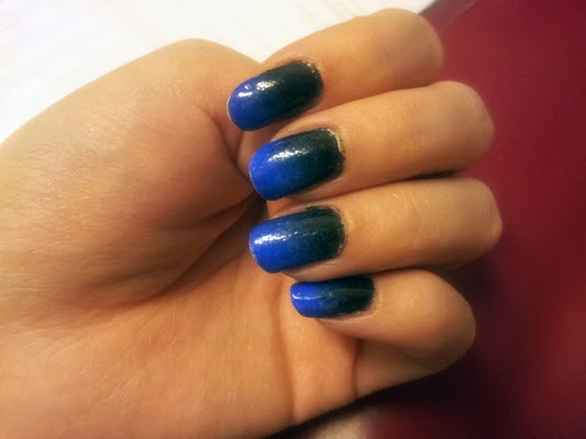 ombre nails - black & blue candyabuse