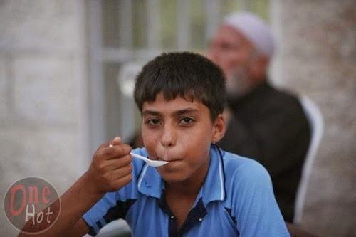 Warga Muslim Gaza mengungsi di Gereja Ortodoks Yunani 12